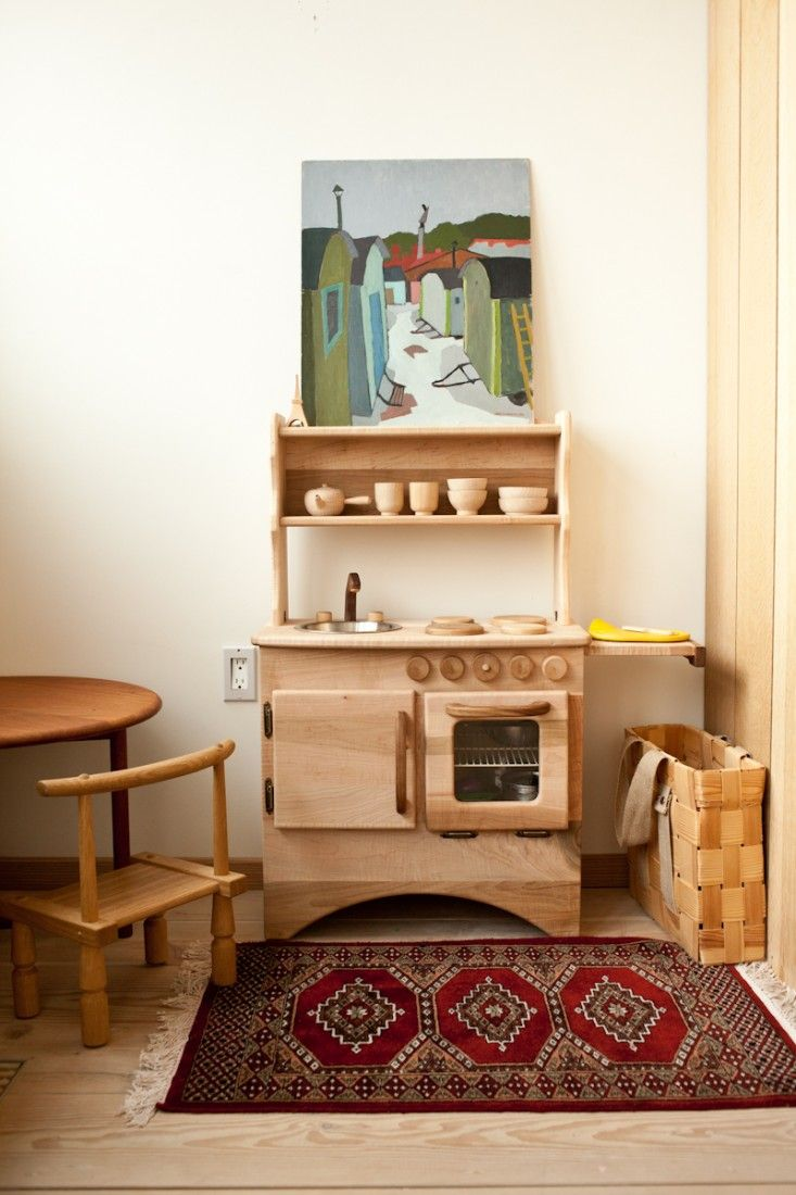 Kids room - Play kitchen - Via Remodelista
