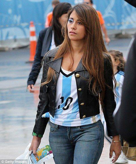 Patriotic: Antonella Roccuzzo, wife of Lionel Messi, in a patriotic Argentina shirt