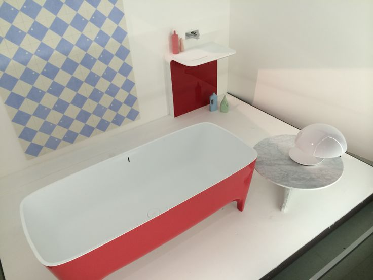 "Accademia Cherry #Red #bathtub star of the set #domesticspa at the exihibition ""The Art of Living"" of @louise living Corriere  #bathroom #Teuco"