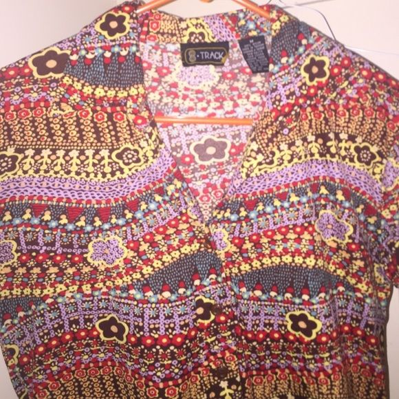 vintage 70s shirt long sleeve, collared, and Button up shirt! 100% nylon, super comfy and cute Vintage Tops