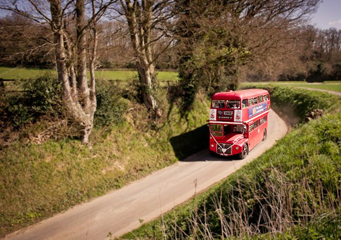 Fitzleoi-Barn-Wedding-Photographers-Bus-Jo-Matt-Sussex