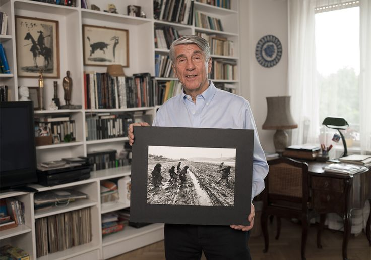 Korniss Péter - Famous hungarian photographers posing with their most iconic works.