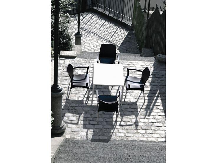 #Sedia da giardino LAMPONE, impilabile. Struttura in polipropilene e alluminio. Ergonomica, confortevole, robusta e leggera. Scoprila su http://www.chairsoutlet.com/ita/articolo/sedie/sedie-da-esterno/sedia-da-giardino-lampone-b-chairsoutlet-com/13/45/553.php