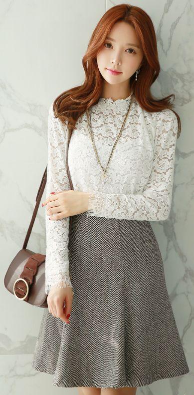 StyleOnme_Classic Herringbone Flared Skirt #elegant #classy #feminine #herringbone #flared #skirt #koreanfashion #seoul #dailylook #kstyle #kfashion #wintertrend