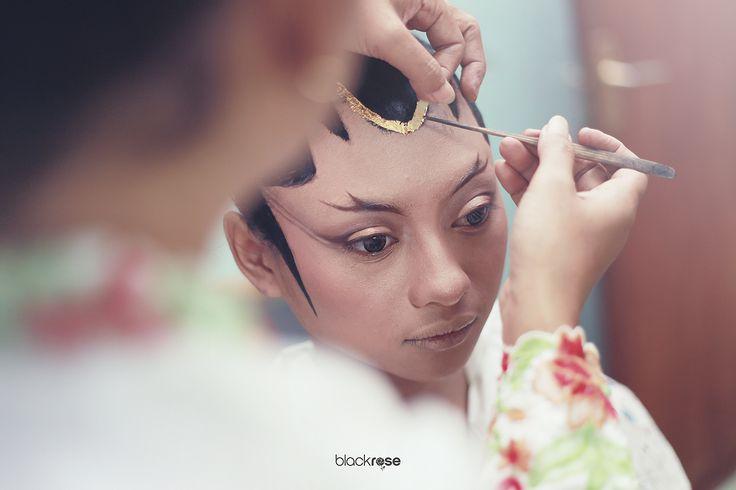 PRADA (PRODHO) #traditionalwedding #java #wedding #paesageng #blackrosepictures
