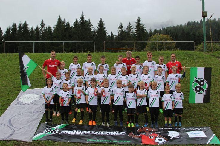 Hannover 96-Fußballschule ist imme rwieder Gast am Faaker See. Begeisterte Kids, Anmeldung direkt über die Website von 96 möglich.