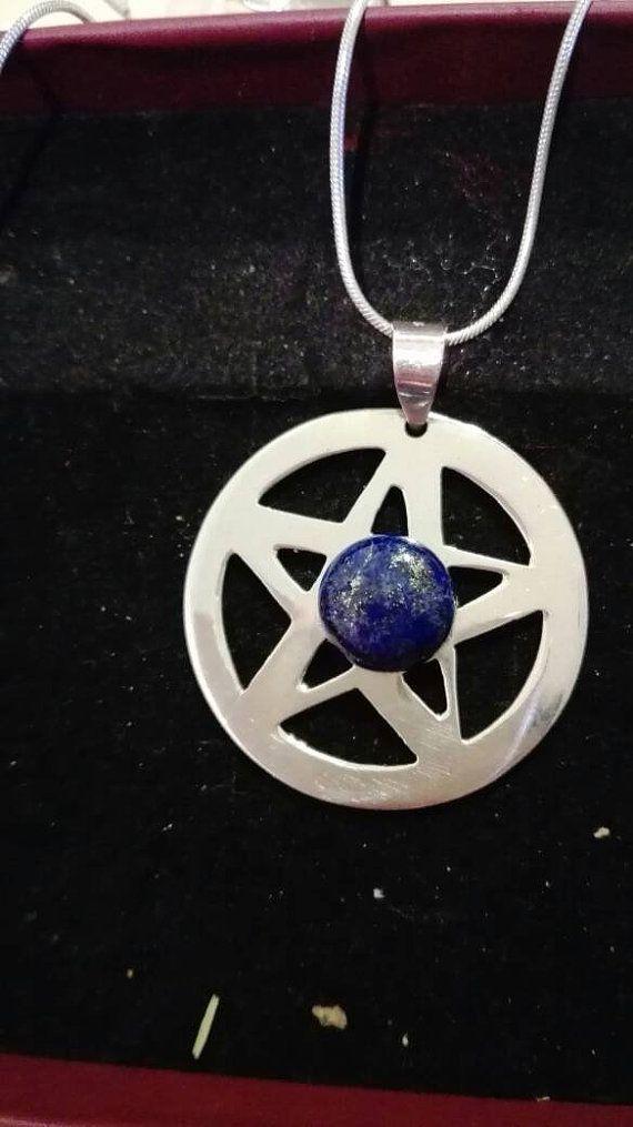 Guarda questo articolo nel mio negozio Etsy https://www.etsy.com/it/listing/492421306/pentacolo-in-argento-con-lapislazzuli