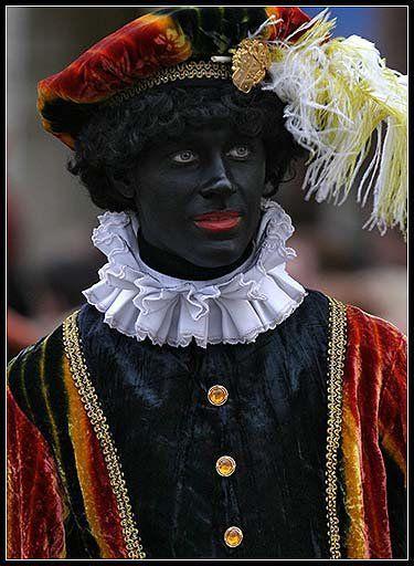 Zwarte Piet lijkt dit maar enigszins op iemand die in ons land of een ander land woont?