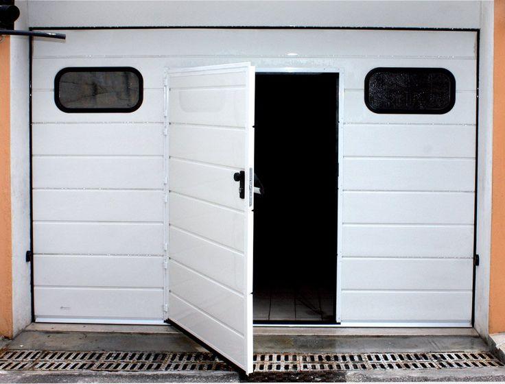 Se si ha la necessità di dover accedere a piedi al proprio garage con una certa frequenza (basti pensare all'ingresso box condominiali) è opportuno far inserire nel portone sezionale un passaggio pedonale, evitando la completa apertura del sezionale. La porta pedonale in tal modo risulta...