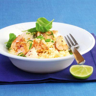 Der Risotto überzeugt nicht nur durch zitrusfrischen, cremigen Reis, sondern auch durch seine Zugabe: feinwürziges Hähnchenfilet.