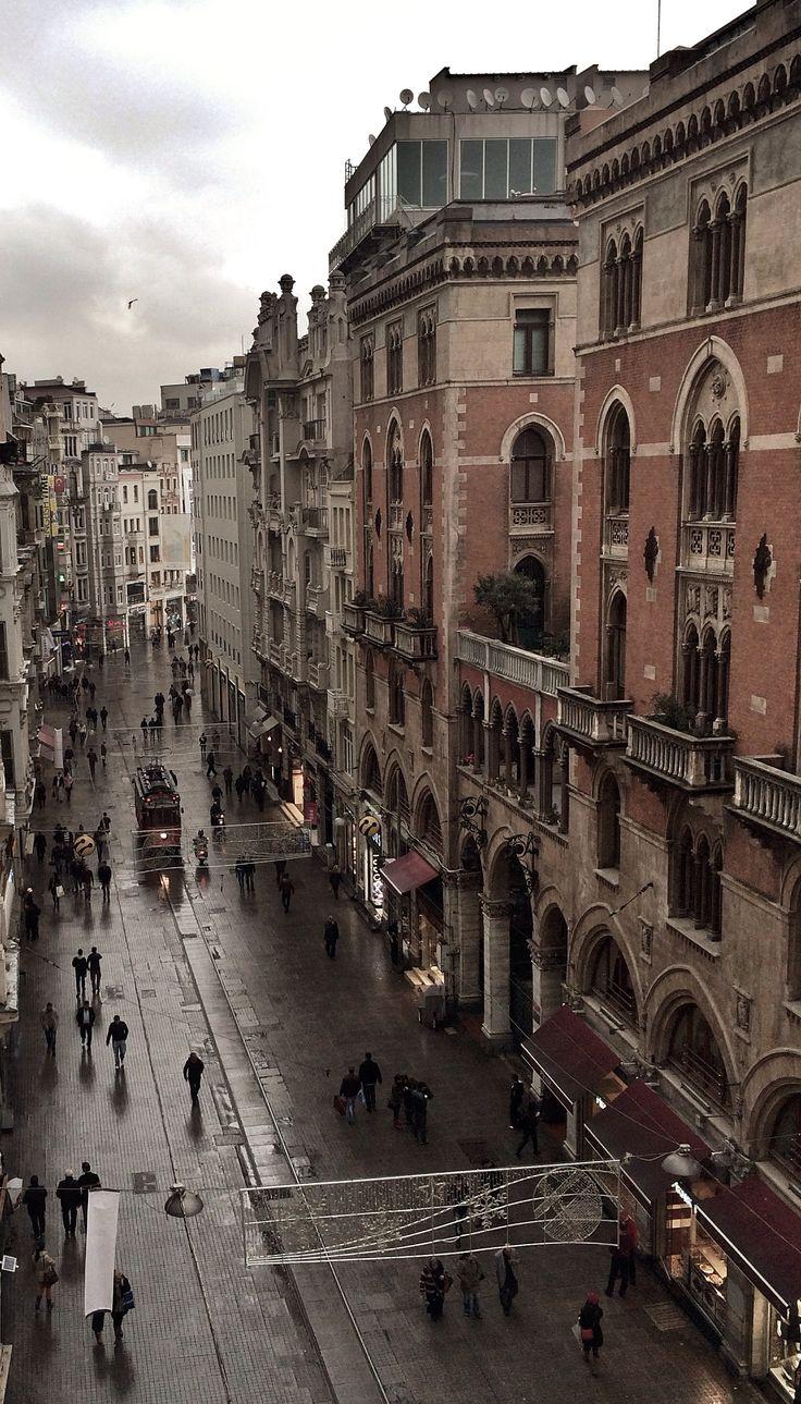 İstiklal Caddesi, İstanbul/Turkey.  Photo by Özgür Çankaya