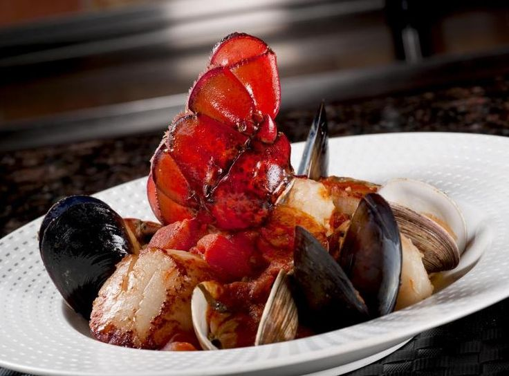 Set your tastebuds ablaze at Rosen Shingle Creek where you will find two AAA Four Diamond rated restaurants. Bite into tantalizing, juicy steak at A Land Remembered or share your meal Italian Style at Cala Bella both guaranteed to please. http://hotelplusportal.com/RosenShingleCreek-in-Orlando