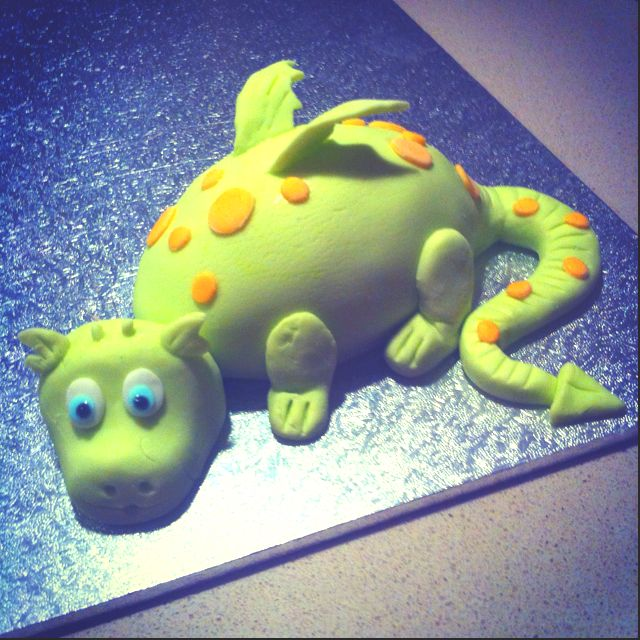 Dragon Cake made by my extremely talented friend @Emma Stiles