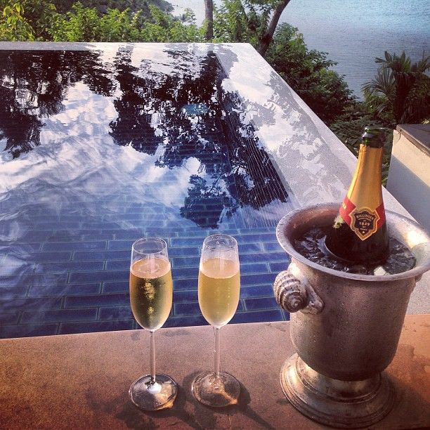 Read and sip champagne HEAVEN