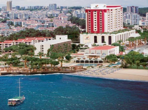 Club Hotel Sera Deluxe Antalya'da otelcilik sektöründe neredeyse simge haline gelmiştir. Antalya'nın en eski otellerinden olan bu tesis, kısa süre önce komple yenilenmiştir. http://www.rentacarantalya.com/gezi-rehberi/antalya-club-hotel-sera.html #antalya