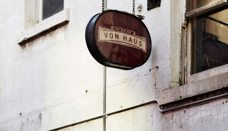 Von Haus - is an intimate and homely #winebar in Melbourne's laneways. It's located in one of the oldest buildings in a laneway off the top end of Bourke St. #barspotting