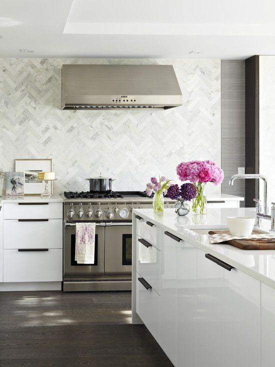 Genial The White Countertop Is Nice Also. Kitchens   Marble Chevron Herringbone  Pattern Backsplash Glossy White Lacquer Modern Kitchen ...
