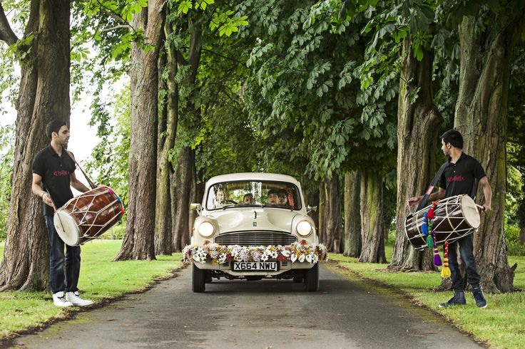 British Vintage Indian Summer Wedding | wilmaeventdesign.com | Photography by Chris Parkes