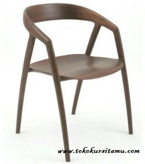 Kursi Cafe Jati Unik KCF-012 ini memiliki desain unik nan menarik terbuat dari kayu jati dengan warna finishing dapat disesuaikan dengan konsep cafe anda.