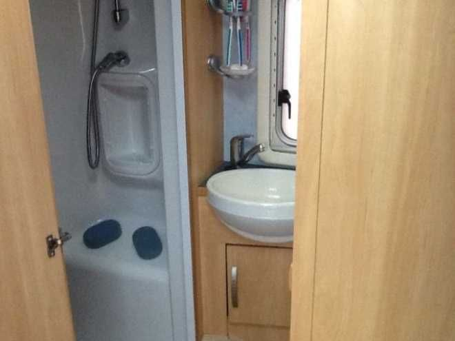 Sterling Elite, 5 berth, (2004) Second Hand  Touring caravan for sale in London