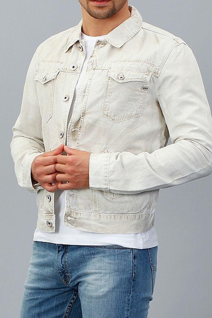 Чтобы создать стильный и запоминающийся образ – выберите look с яркой синей футболкой и джинсами от Tom Tailor, и белой курткой от GAS. Идеальный street casual подойдет для летних вечерних прогулок, встреч с друзьями, ночных тусовок и мероприятий. http://donothing.com.ua/products/SE008793