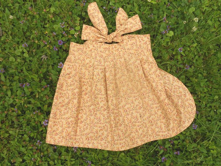 #Apron Half Apron #Girls #Preschool Amber September Vines Pretty in Pleats #GrandmasGirl - pinned by pin4etsy.com