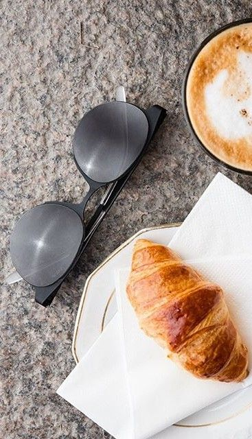 cappuccino, croissant and a good pair of sunglasses ||| Pic & Sunnies | Carrera | Round http://www.smartbuyglasses.co.uk/designer-sunglasses/Carrera/Carrera-5035/S-KKL/70-309719.html