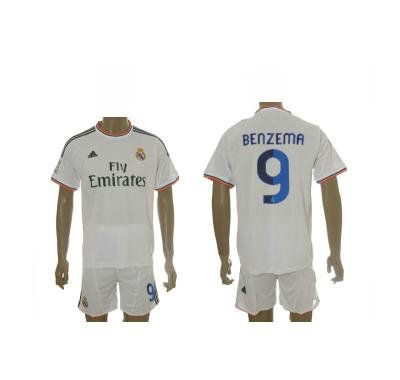 Maillot Foot 2013 2014 Real Madrid Domicile 9 Benzema  http://www.theemfstore.com/Nouveau-Maillot-Foot-2013-2014-Real-Madrid-Domicile-9-Benzema-pas-cher-p-1200.html