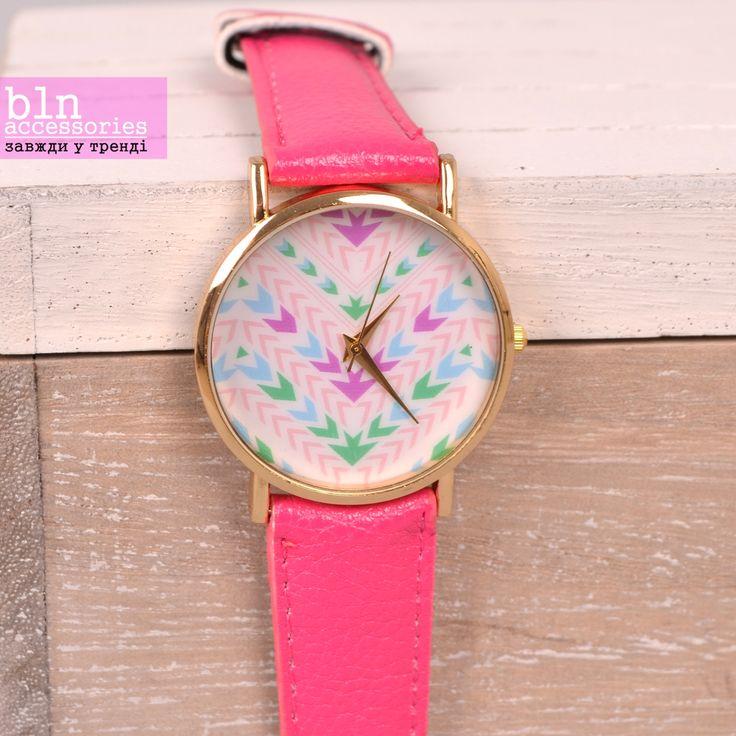 Модний годинники з рожевим ремінцем та яскравим циферблатом- в магазинах BLN accessories. Fashion watch with pink strap in stores BLN accessories.