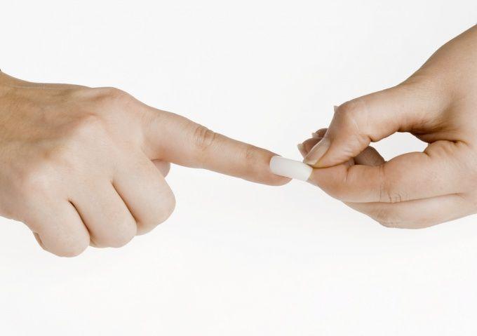 Как снять гелевые ногти в домашних условиях