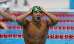 4f4072966d8 London 2012 - Chad le Clos s jaw drops as he sees the result of the men s  butterfly. Le Clos (South Africa) steals the gold from Michael Phelps of  the USA ...