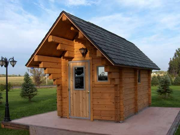 Isle Royale Outdoor Chalet Sauna, room for 6 to 10 people