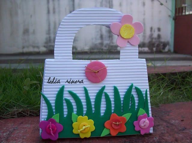 El Scrap y yo....: Aprendiendo a hacer Cajitas de Carton Corrugado!!!!