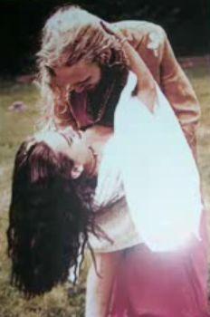 Hoy 29 de octubre, recordamos a Demri Lara Parrott , el amor de la vida de Layne Staley ... un día como hoy, en 1996, ella falleció. En un ...