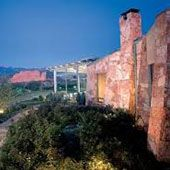 Top 9 wedding venues in Colorado Springs, and photographer worth checking out.