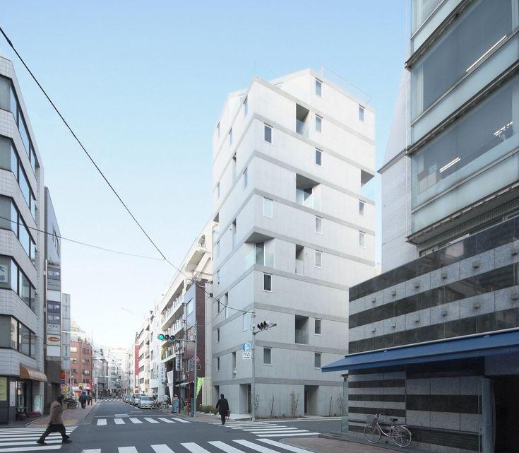 go hasegawa apartment in okachimachi . tokyo © wakiiii toren appartementen gestapeld hoek compositie gevel