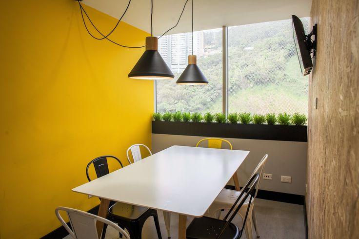 Concepto Redy - Espacio inspirado en la marca que combina colores, texturas y mobiliario que generan sensaciones al habitar. Arq. Simón Tobón P.