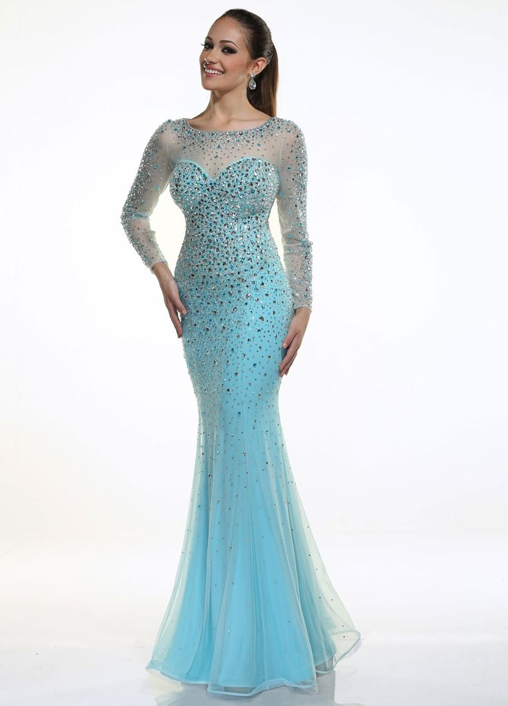 Frozen inspired prom dress.... little old for prom but I still want it.