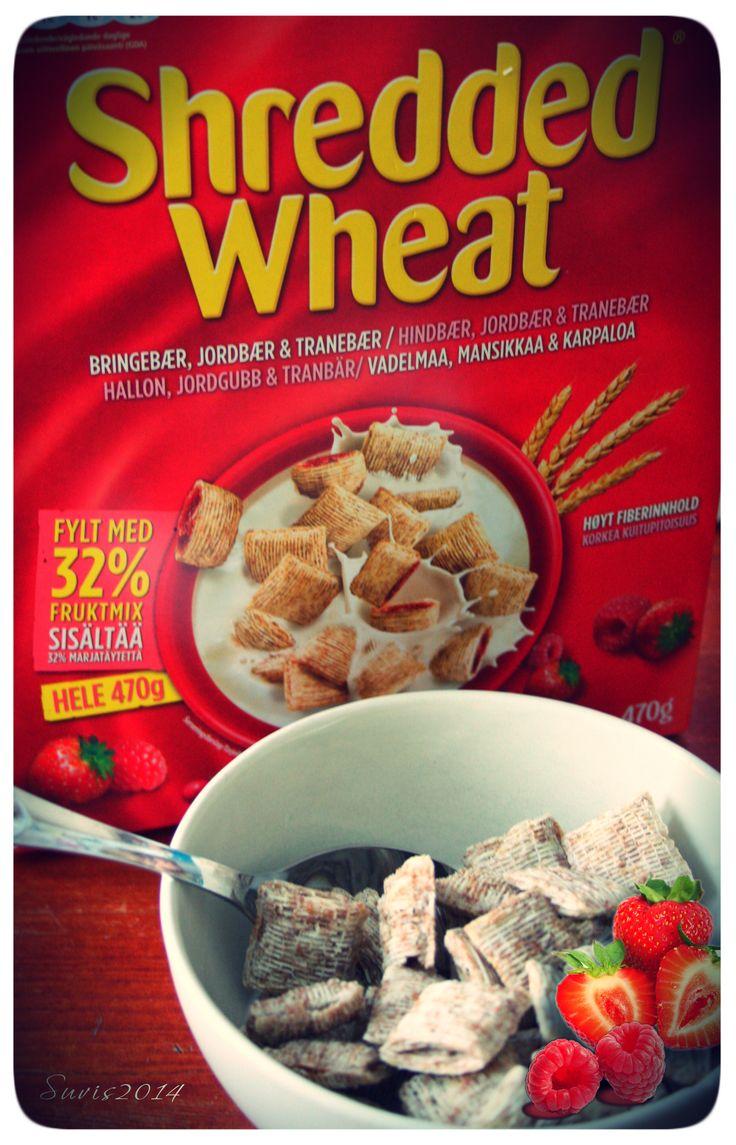 bit.ly/shreddedwheat-hopottajat #hopottajat #/shreddedwheat  Marjojen ja maidon kera - nam nam. Mielenkiintoinen uutuus, suosittelen!