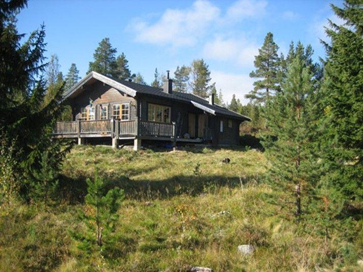 Upplev en annan del av Sverige, hyr en riktig fjällstuga till din semester!