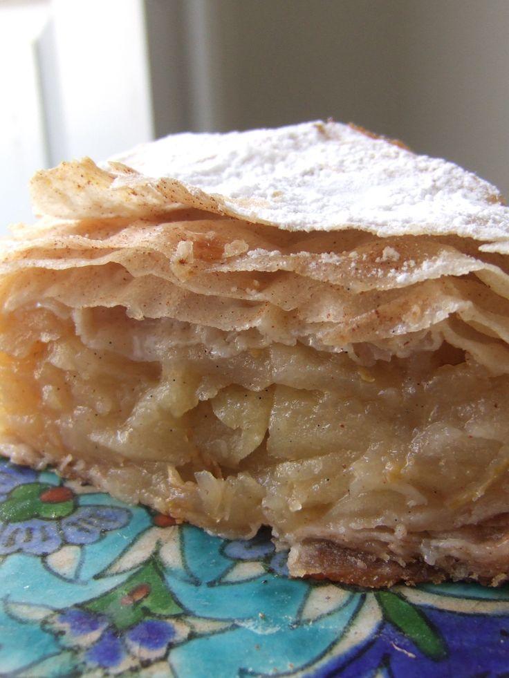 Moroccan apple cake