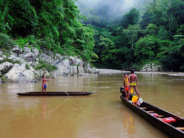 Picture of villagers in Panama's Chagres National Park