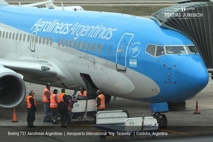 "Boeing 737 de Aerolineas Argentinas   Aeropuerto Internacional ""Ingeniero Taravella""   Córdoba, Argentina"