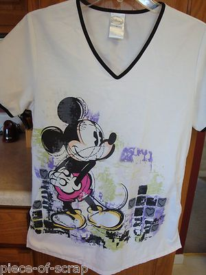 21 Best Mickey Mouse Scrub Tops Images On Pinterest