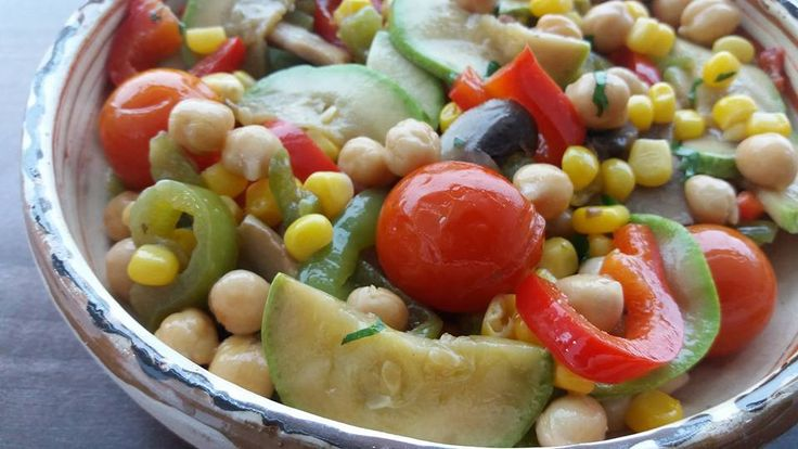 """Lunch: baked vegetables - cherry tomatoes, pepper, marrow and mushrooms -, chickpeas and corn. Served in a traditional Romanian bowl """"strachina"""". *****  Pranzul: legume la cuptor - rosii cherry, ardei, dovlecel, ciuperci -, naut si porumb. Servite intr o strachina. #vegan #tomatoes #marrow #pepper #mushrooms #chickpeas #corn #rosii #dovlecel #ardei #naut #porumb"""