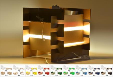 lampada in legno colorata lampada da scrivania legno di scarto riciclato incastro