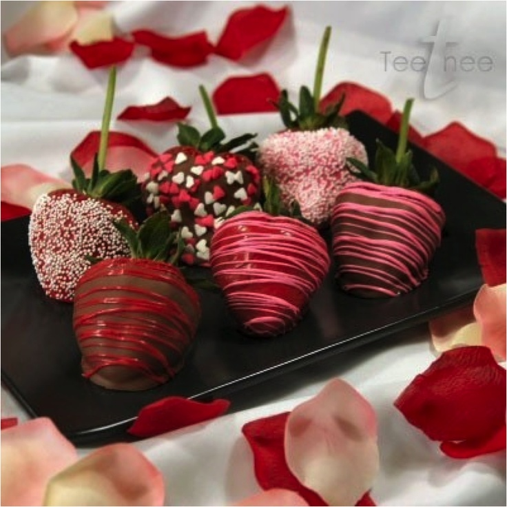 Pretty chocolate covered strawberries | Valentines day ...