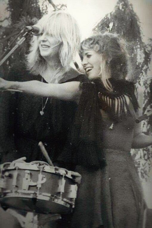 Christine McVie and Stevie Nicks of Fleetwood Mac