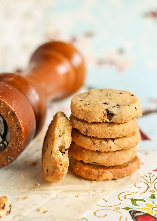 Kalamata Olive Savoury Shortbread. this would be amazing with blue cheese