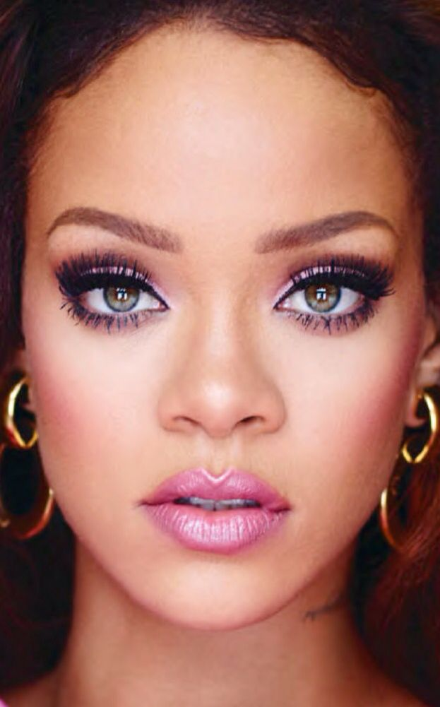 Rihanna Make-Up